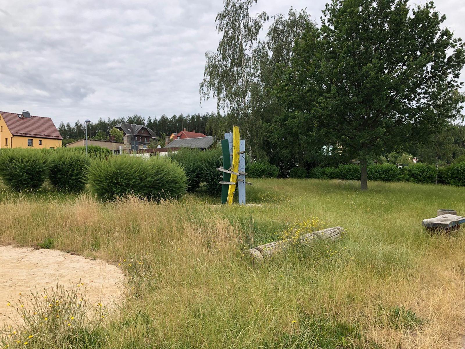 Hohndorf_Spielplatz_Sachsenringblick_quer